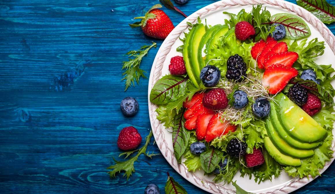 Los 6 alimentos imprescindibles para tu salud este verano