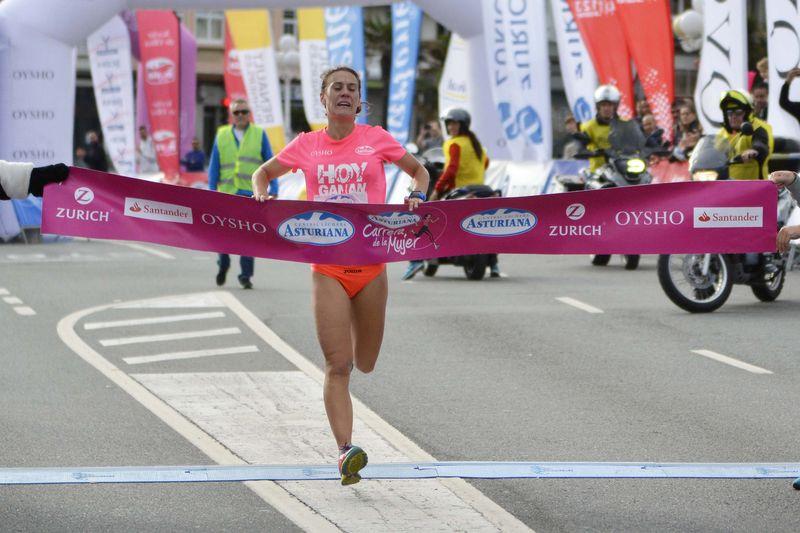 7.000 mujeres forman una gran marea rosa en A Coruña