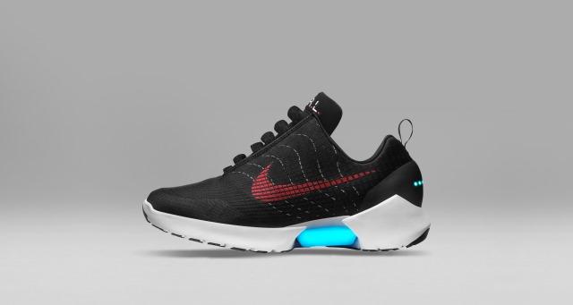 Las nuevas zapatillas de Nike con cordones adaptables