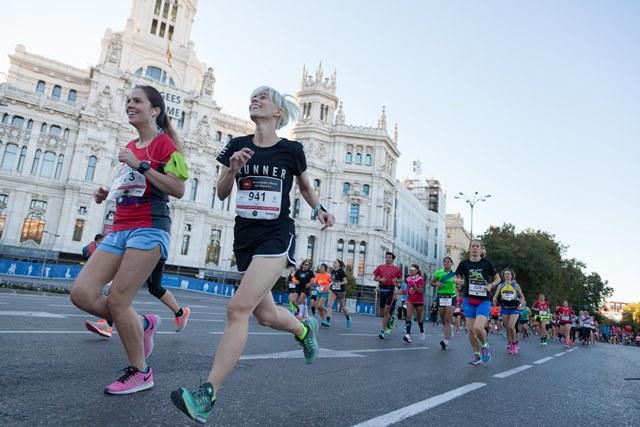 2500 corredoras llenan de energía el EDP Medio Maratón de la Mujer