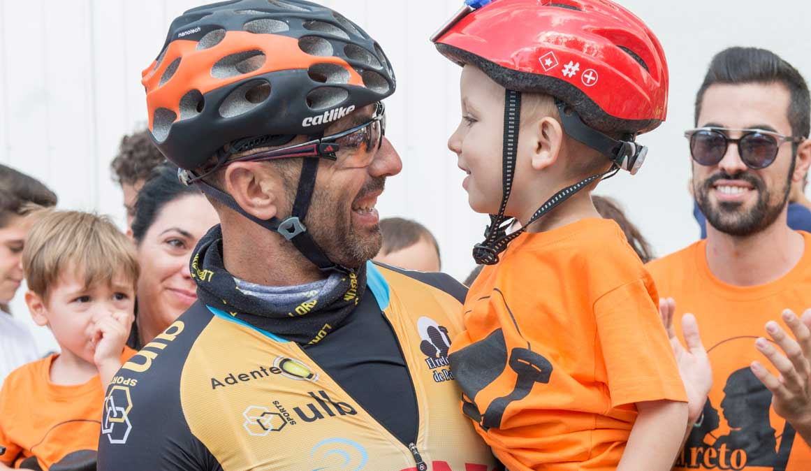 650 km pedaleando contra el cáncer infantil