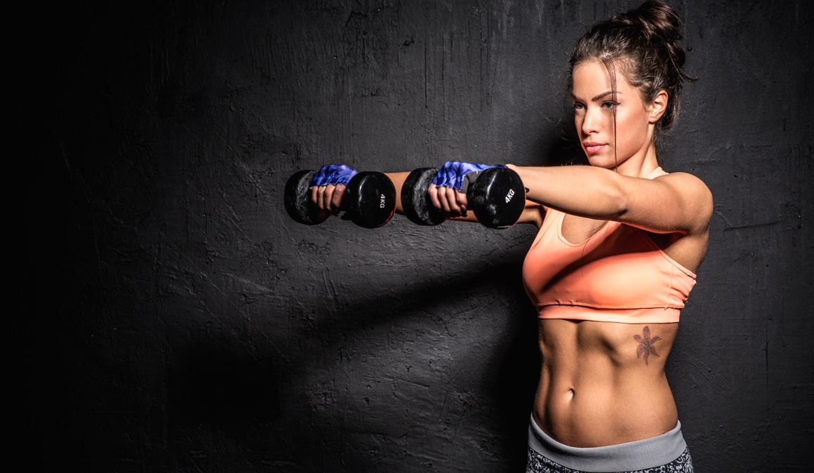 Los ejercicios imprescindibles (y los que deberías dejar de hacer) para trabajar hombros