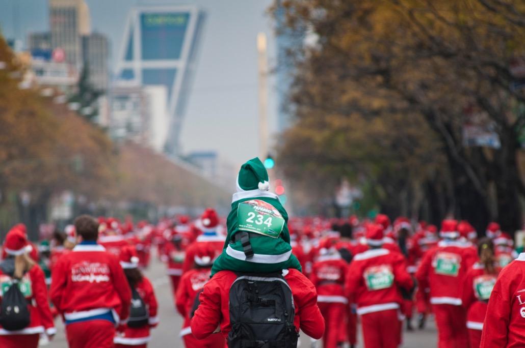 El jueves último día para apuntarte a precio de oferta a la Carrera Papa Noel de Madrid