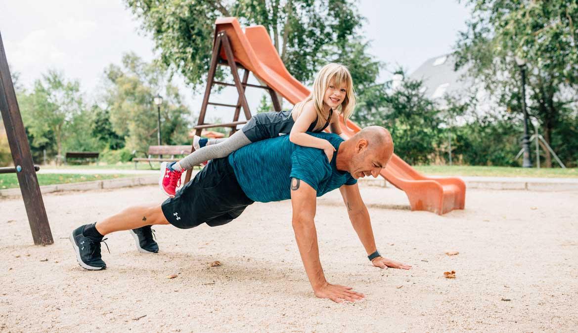Los ejercicios para entrenar y ponerte en forma, ¡también con tus hijos!