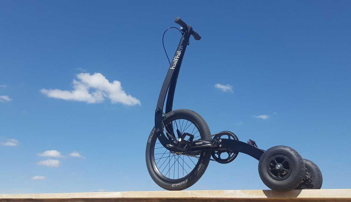 Halfbike: pedalea, corre y patina a la vez