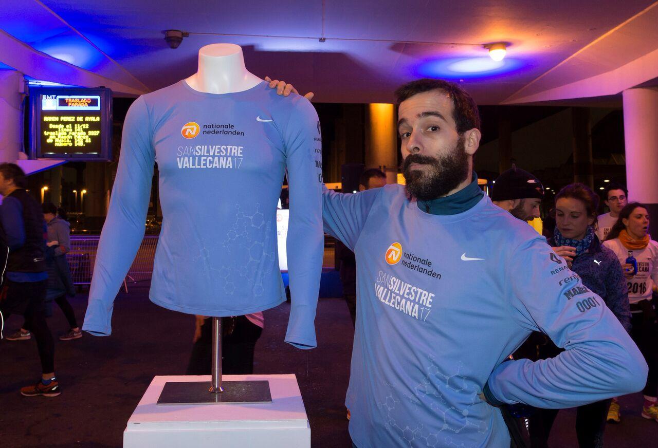 La camiseta de la San Silvestre 2017 será azul