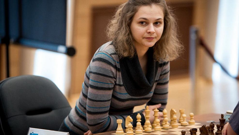 """La doble campeona del mundo de ajedrez renuncia a revalidar el título para """"no sentirse como un criatura secundaria"""""""