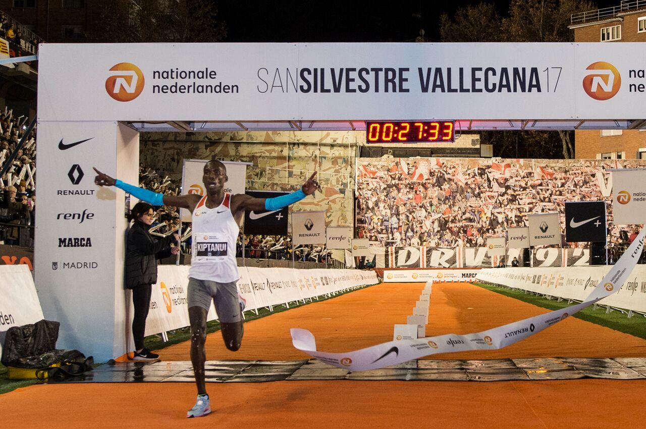 Kiptanui gana la San Silvestre con Abadía en el podio