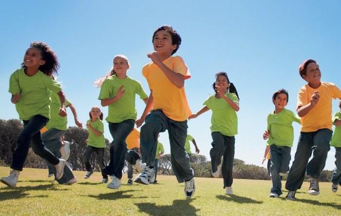 En dos años los niños andaluces tendrán un mínimo de cinco horas semanales de actividad física