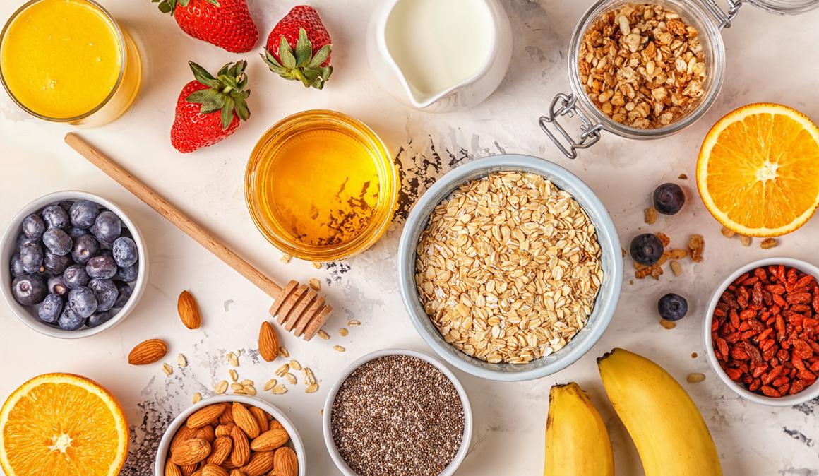 7 desayunos saludables y ligeros para compensar excesos