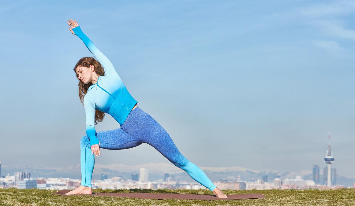 Yoga para esquiadores: ¡fortalece piernas, brazos y abdomen!