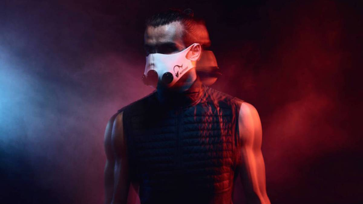 La máscara que aumenta tu resistencia simulando el entrenamiento en altitud
