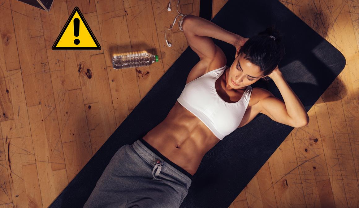 ¿Son los crunch abdominales realmente dañinos para la salud?