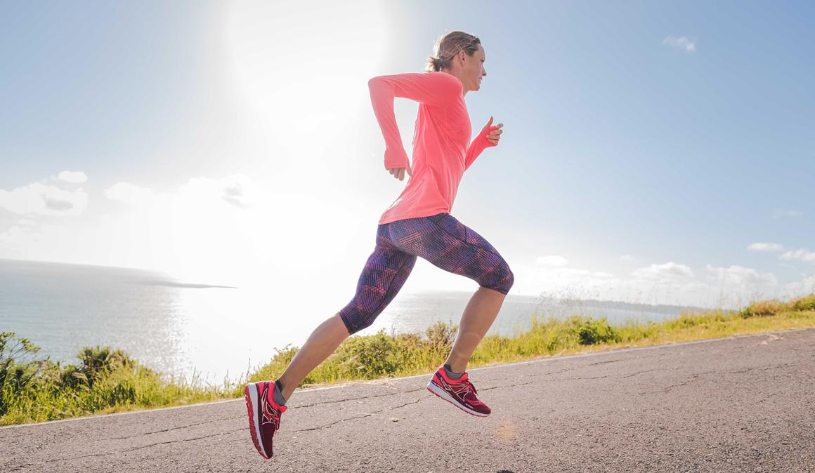 ¿Qué función cumplen nuestros tobillos cuando corremos? Así es la biomecánica de carrera