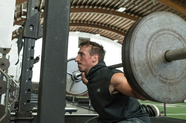 ¿Es mejor el ejercicio aeróbico o la musculación si mi objetivo es quemar calorías?
