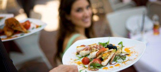 7 trucos para comer fuera de casa y no engordar