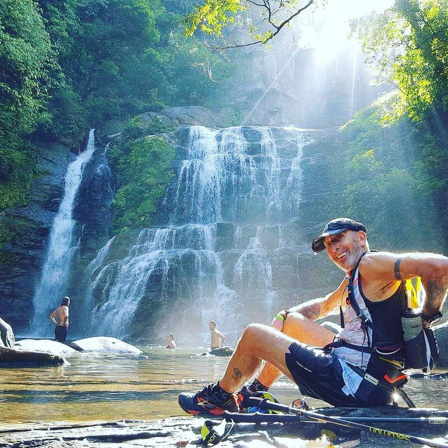 Finisher a sus 68 años de uno de los trail más duros del mundo en Costa Rica