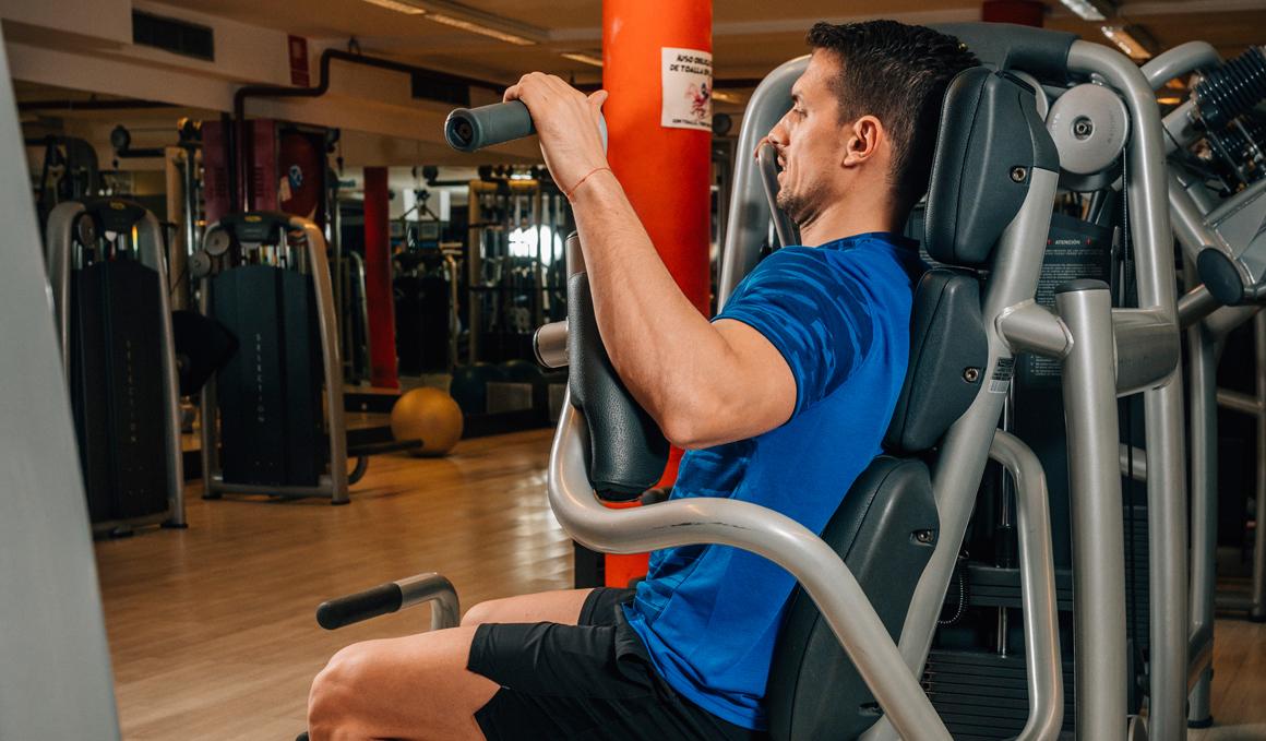 Elige bien tu material de entrenamiento, las ventajas de las máquinas de gimnasio