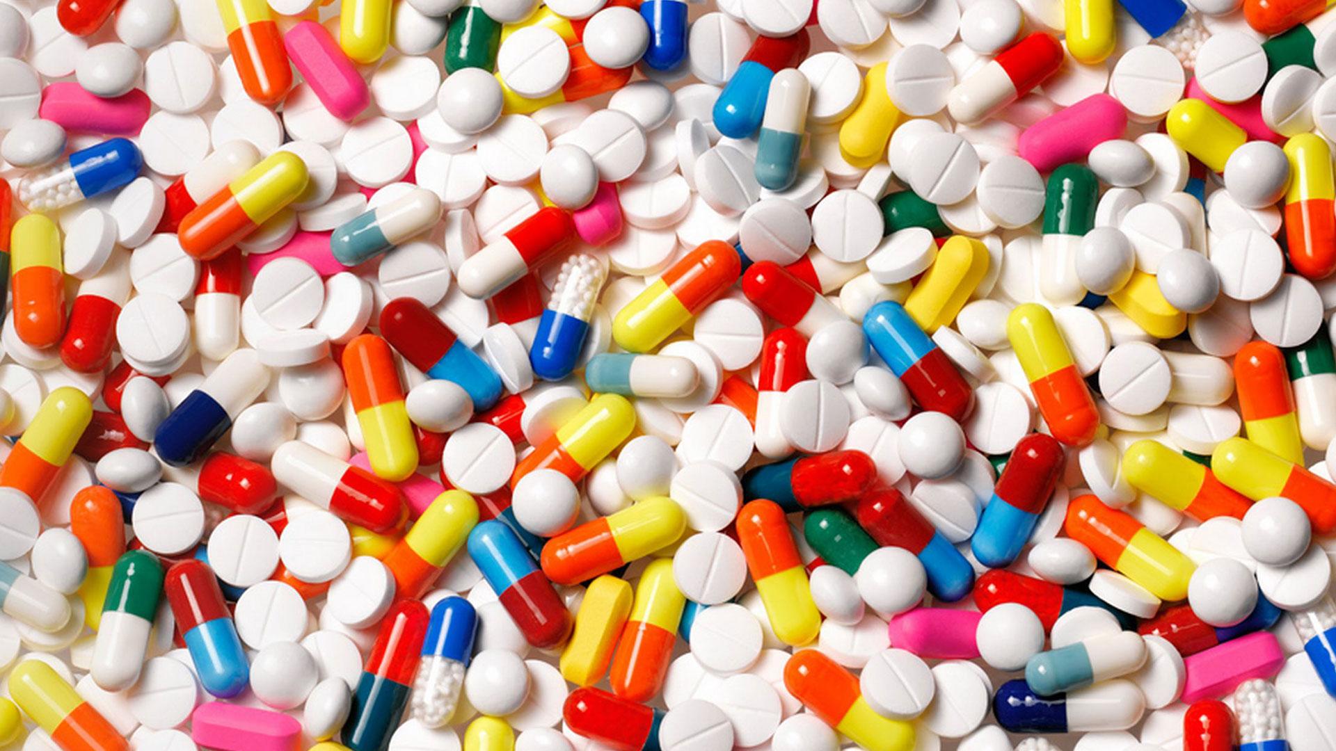 ¿Debemos cambiar nuestra dieta si estamos tomando medicamentos?