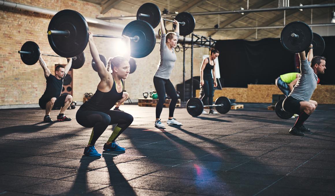 Barras y discos, las ventajas de entrenar fuerza con ellos
