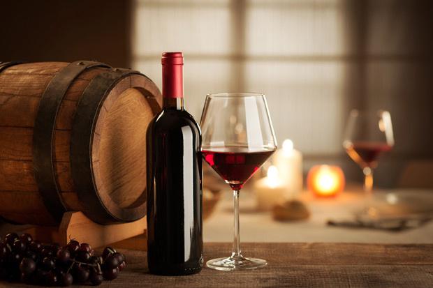 ¿Sabías que tomar una o dos copas de vino equivaldría a una sesión de cardio?