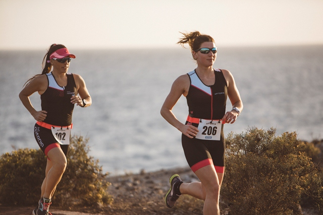 Decathlon sorprende con su completa línea para triatlón