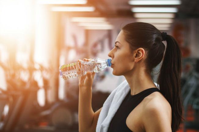 Qué beber antes de entrenar