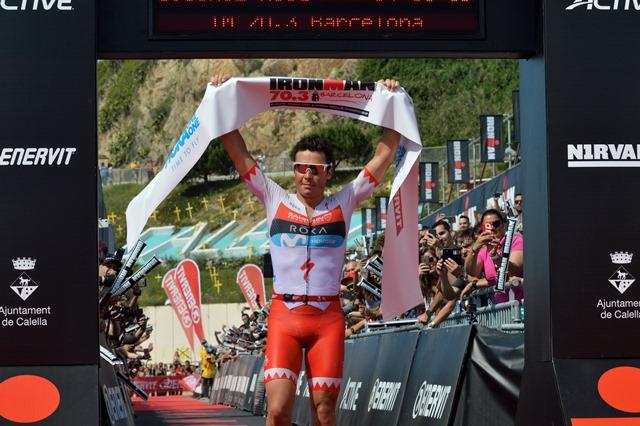 Gomez Noya arrasa en el Medio Ironman de Barcelona