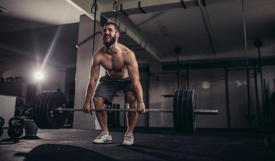 Construye unos brazos más fuertes con estas claves de entrenamiento