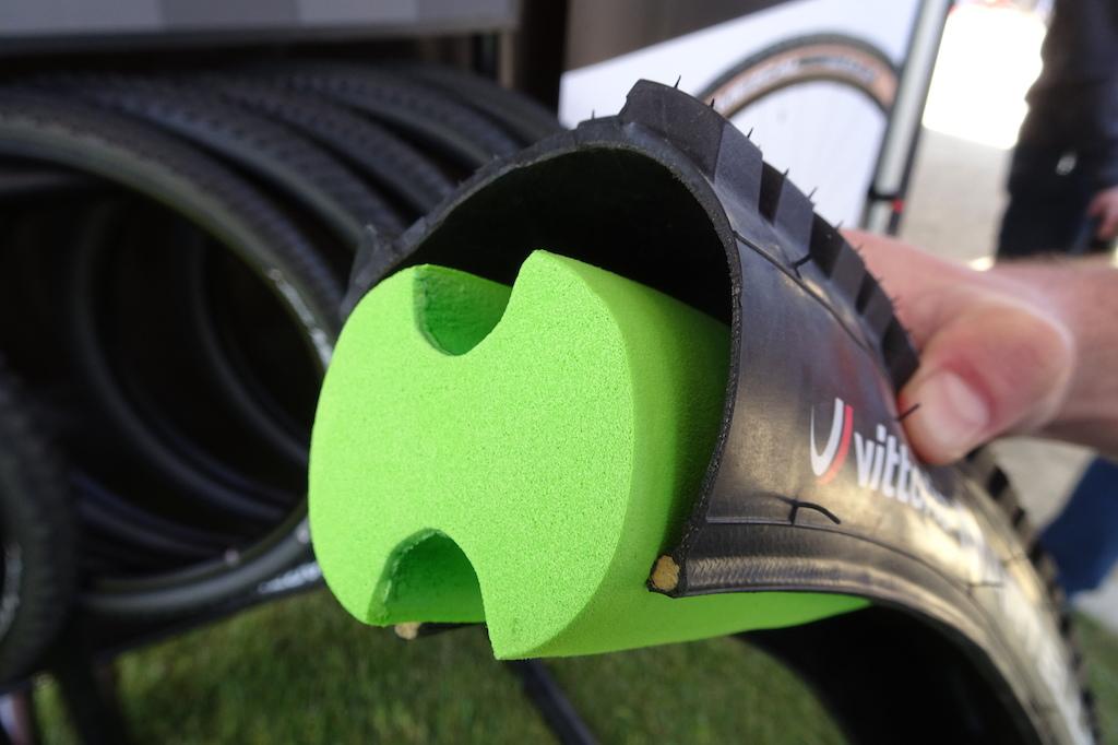 El invento que mejora tus ruedas al instante