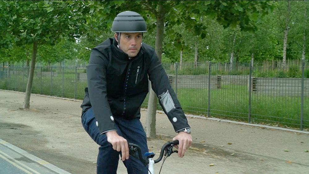 Llega la chaqueta inteligente para ciclistas