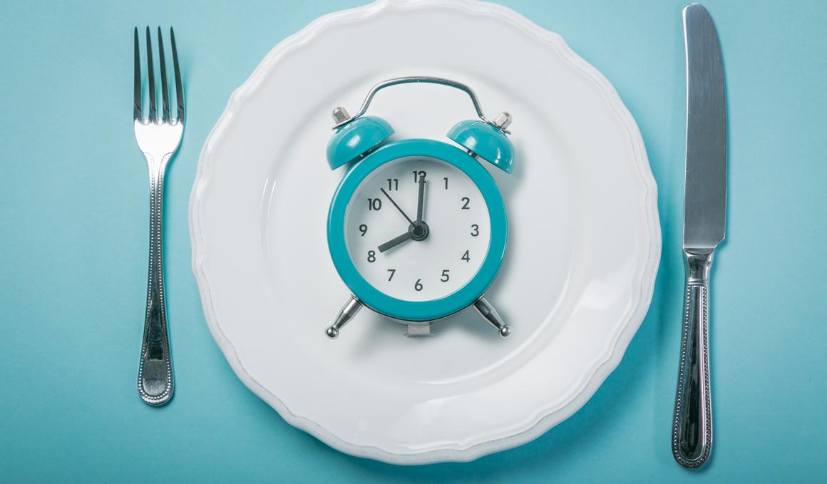 Ayuno intermitente, ¿una buena opción para reducir grasa?