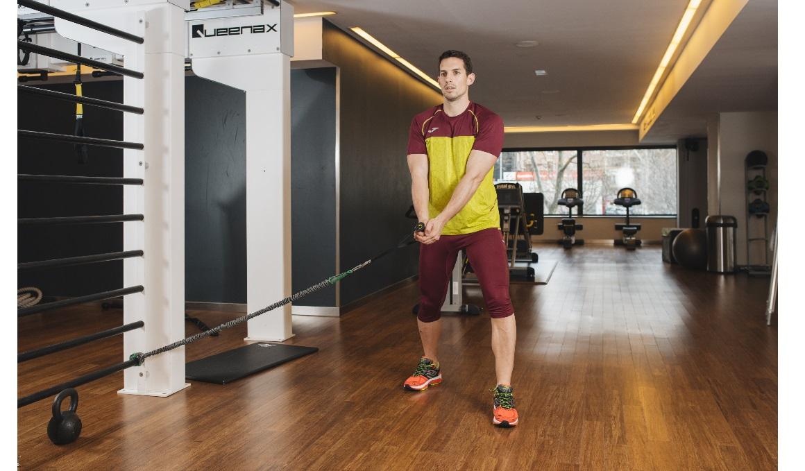 Abdominales de revista, ejercicios para la zona lateral y con cargas externas