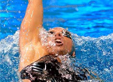 Nadar de espaldas