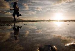 Aprovecha la playa para correr