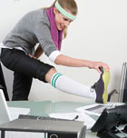 Rutina de fitness en la oficina