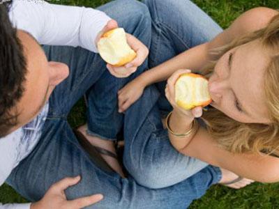 ¿Deben comer igual un hombre y una mujer deportista?