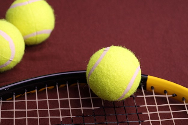 Estiramientos para raqueta: deltoides posterior