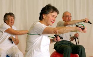 Ejercicio y dieta para mejorar la calidad de vida de las personas mayores