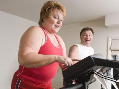 ¿Cuánto ejercicio hacen las personas con sobrepeso y obesidad?