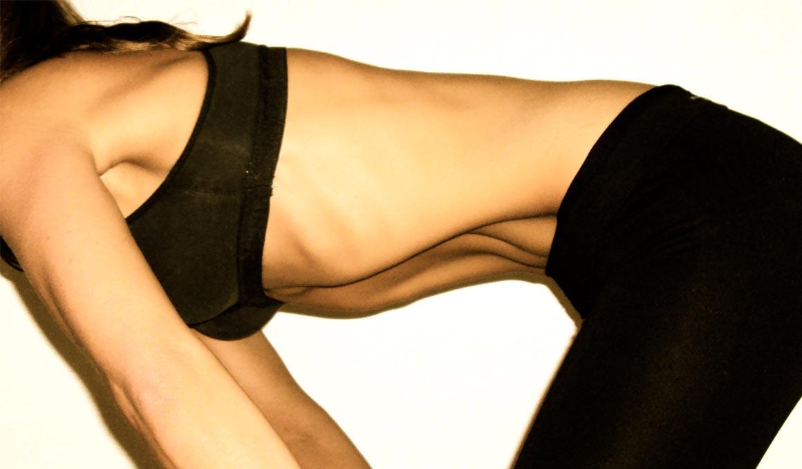 Reduce tu cintura practicando abdominales hipopresivos
