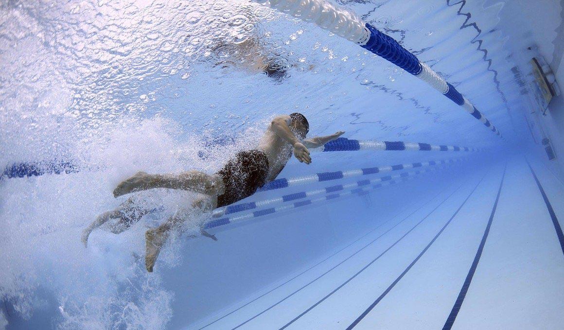 Entrenamiento de natación: mejora velocidad, resistencia y ritmo