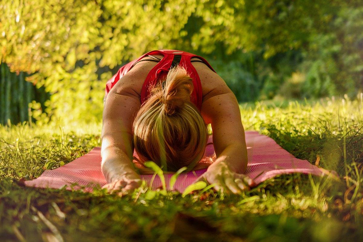 Los 15 beneficios para el deporte que la ciencia demuestra del yoga
