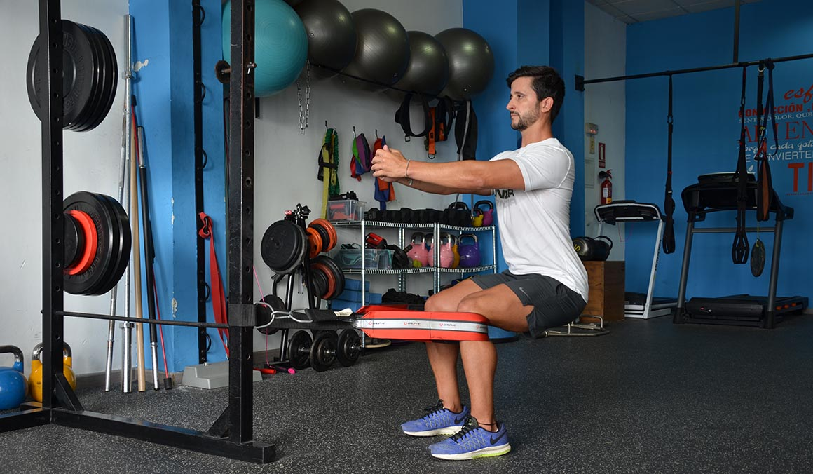 Dos ejercicios para entrenar a fondo el cuádriceps sin máquinas