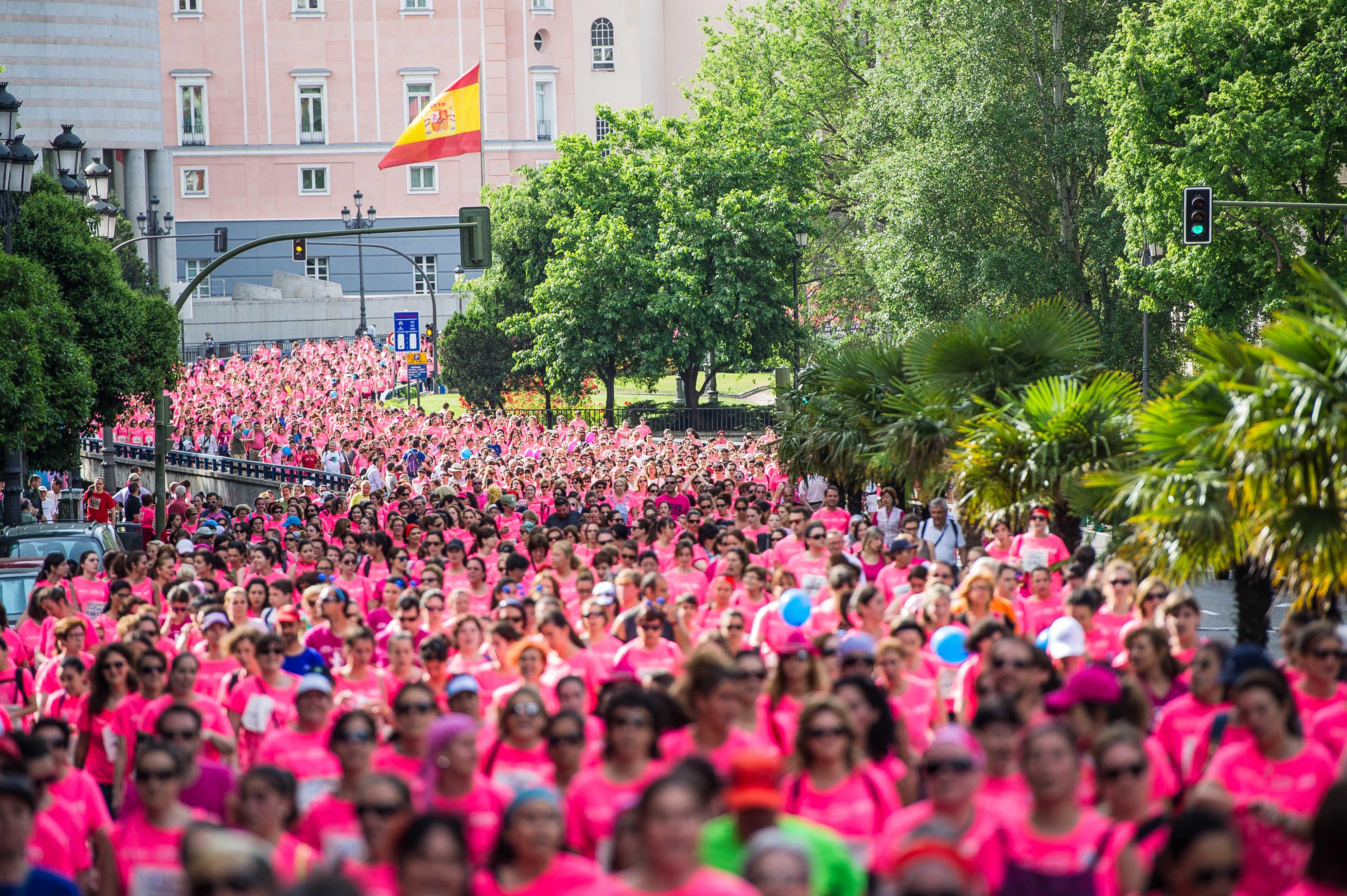 Ya hay fecha de apertura de inscripciones para la Carrera de la Mujer de A Coruña y Sevilla