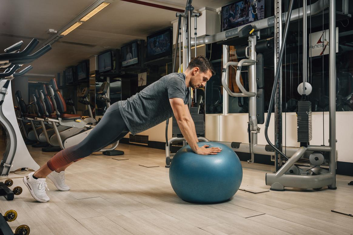 Dos ejercicios para lograr un core y unos tríceps de acero
