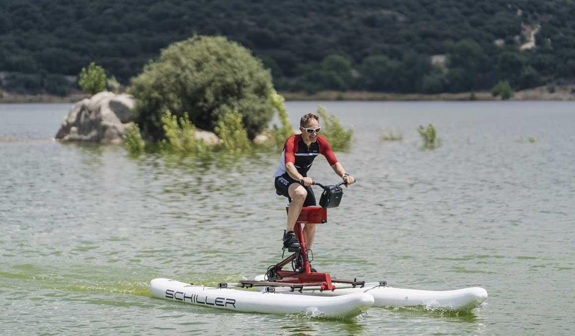La bici sin ruedas para 'volar' sobre el agua
