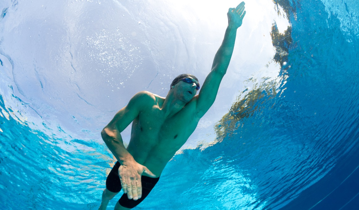 Entrena para propulsarte en natación