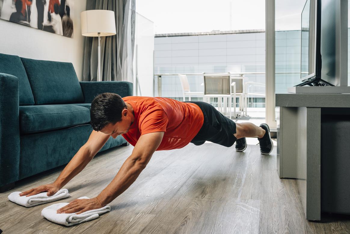 Alta intensidad: entrena todo tu cuerpo usando un par de trapos