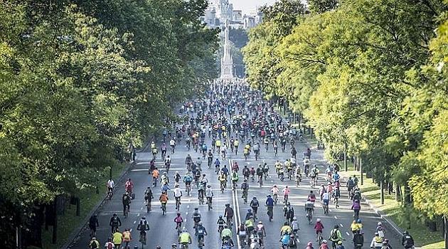 La fiesta de la bici de Madrid cumple 40 años